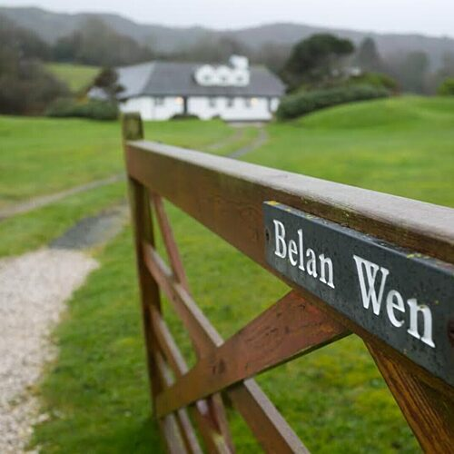 Belan Wen Boltholes and Hideaways Anglesey cottage near the beach